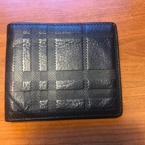 Authentic men's Burberry biofold wallet!